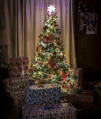 brad de crăciun împodobit
