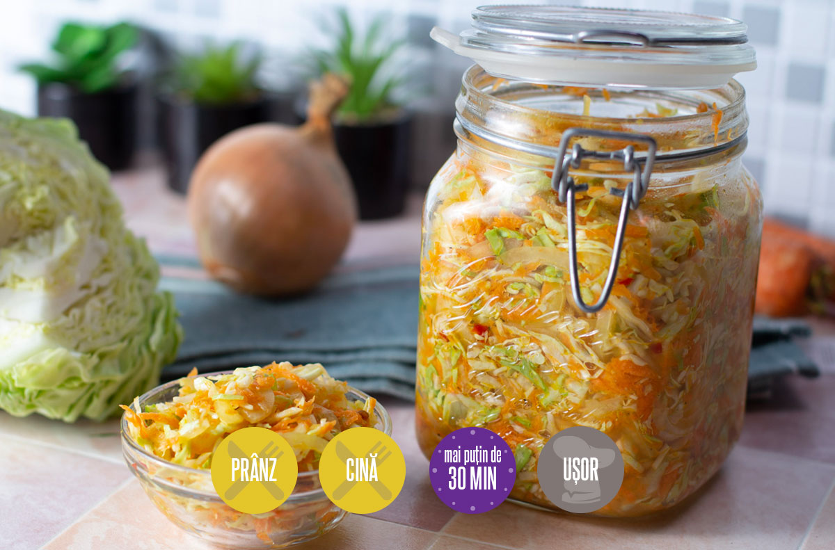 salată de legume la borcan