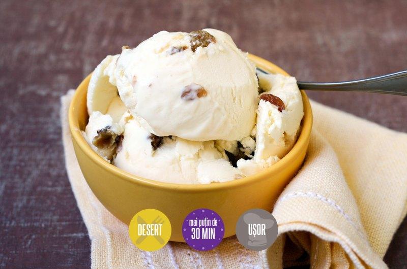 înghețată cu rom și stafide