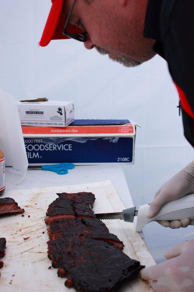 Cutting the pork ribs.