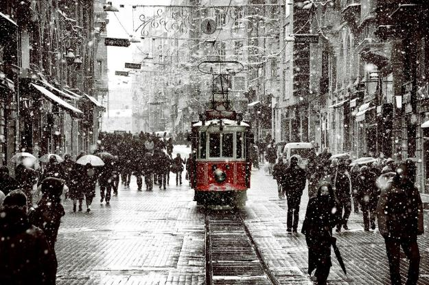 snow_in_istanbul____by_dilemmanya-d4oecxk