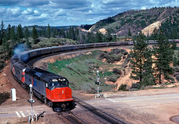 By Drew Jacksich from San Jose, CA, The Republic of California (AMTK 542 lFun Train, Long Ravine 3-76...) [CC BY-SA 2.0 (http://creativecommons.org/licenses/by-sa/2.0)], via Wikimedia Commons