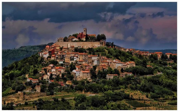 Motovun, Istria, in Croatia, where I'll be spending 4 weeks this fall -- stop number 4. And this photo's from Sobrecroacia.com.