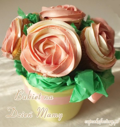 Bukiet różanych cupcakes