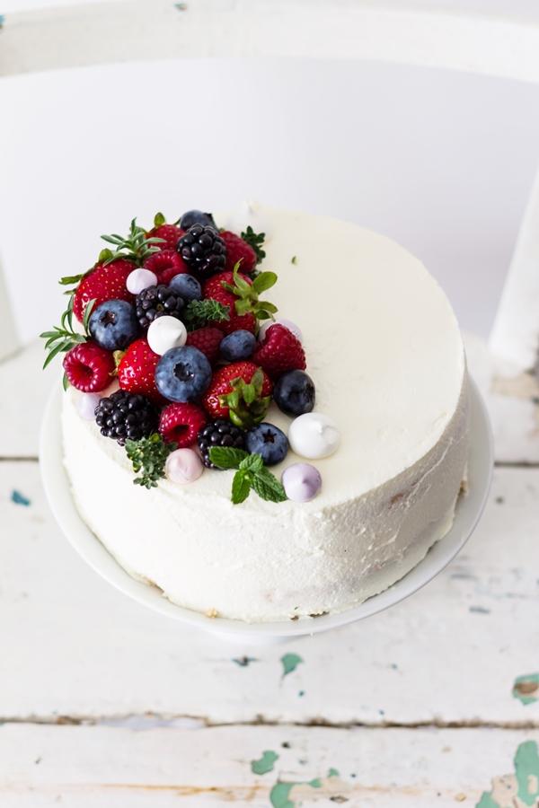 Tort śmietanowy Z Malinami Cupcake Factory