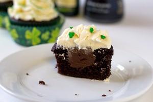 irish-car-bomb-cupcakes-3-550