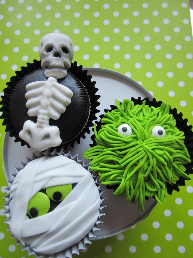 More Halloween Cupcake Decorating Ideas
