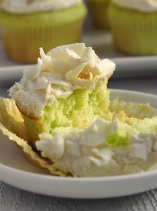 pistachio-cupcakes-2