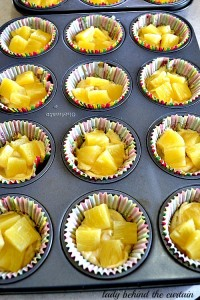 Lady-Behind-The-Curtain-Pineapple-Cupcakes-3