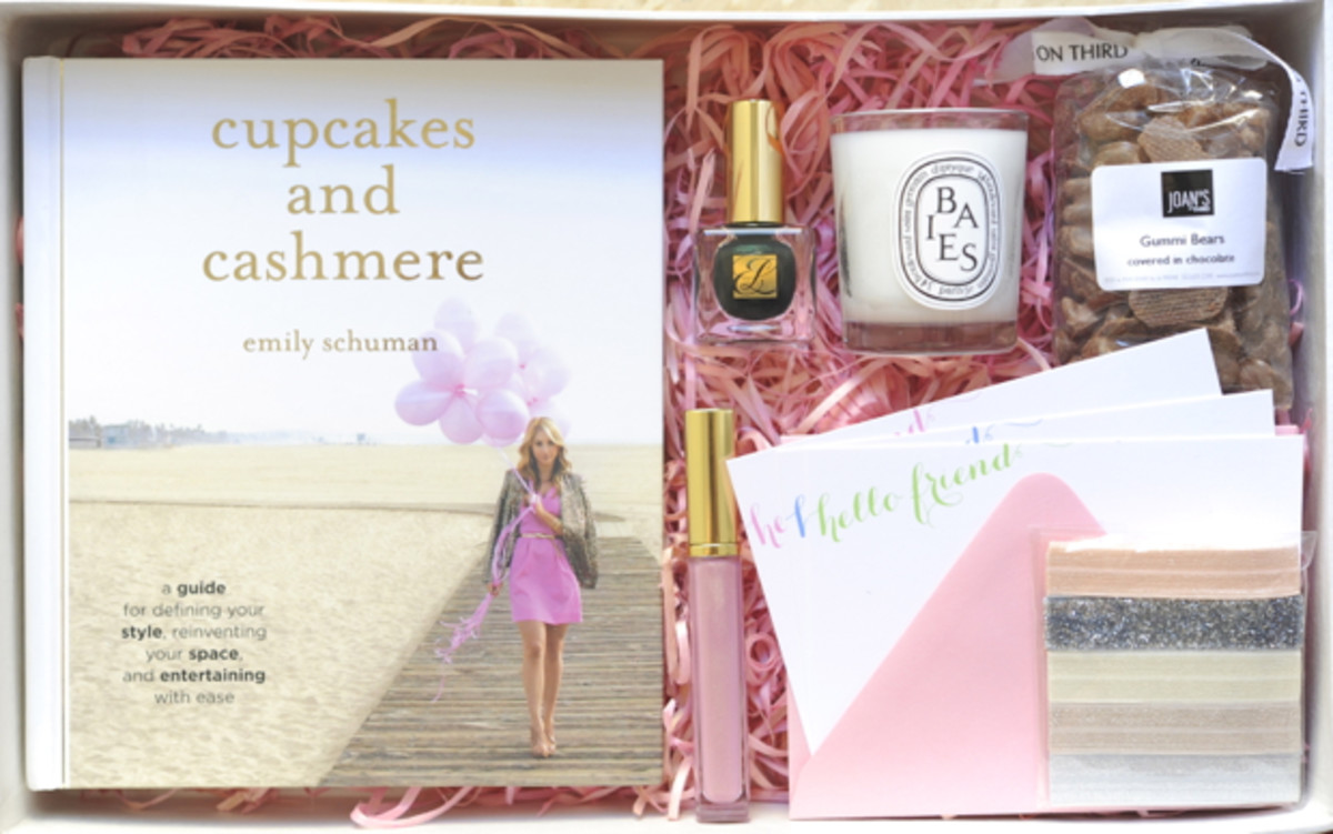 Cupcakes And Cashmere Book Giveaway