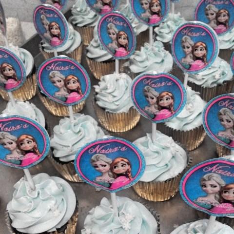 Birthday Souvenir Cupcakes tema Karakter Frozen