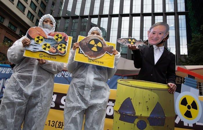 Fukushima: Tokyo dà l'ok per rilasciare l'acqua contaminata in mare