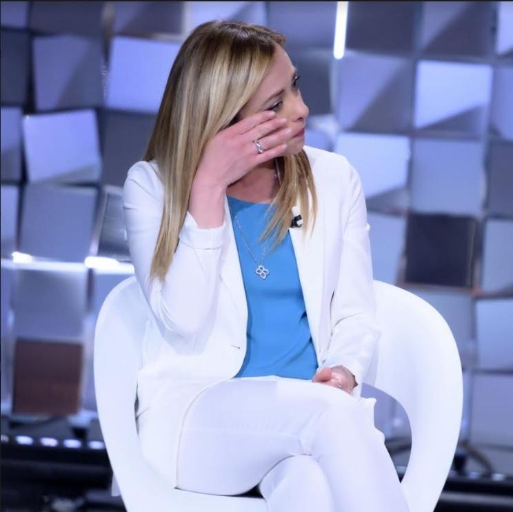 Giorgia Meloni a Verissimo: «non sono omofoba»