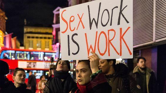 Due chiacchiere con Leirnin: il mondo di OnlyFans spiegato da una sex worker