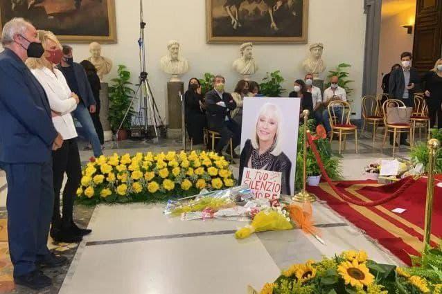 Raffaella Carrà: oggi l'ultimo addio