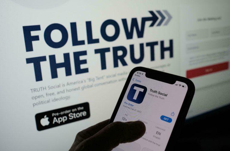 Donald Trump lancia Truth Social: sarà disponibile dal 2022