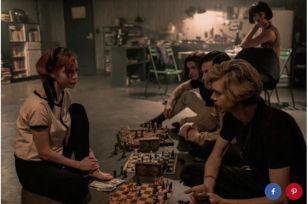la-regina-degli-scacchi-recensione