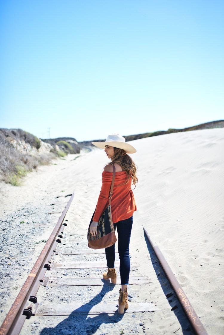 cuppajyo-styleblogger-fashion-lifestyle-travel-pinkarrowsboutique-freepeople-fallfashion-offtheshoulder-sweater-5