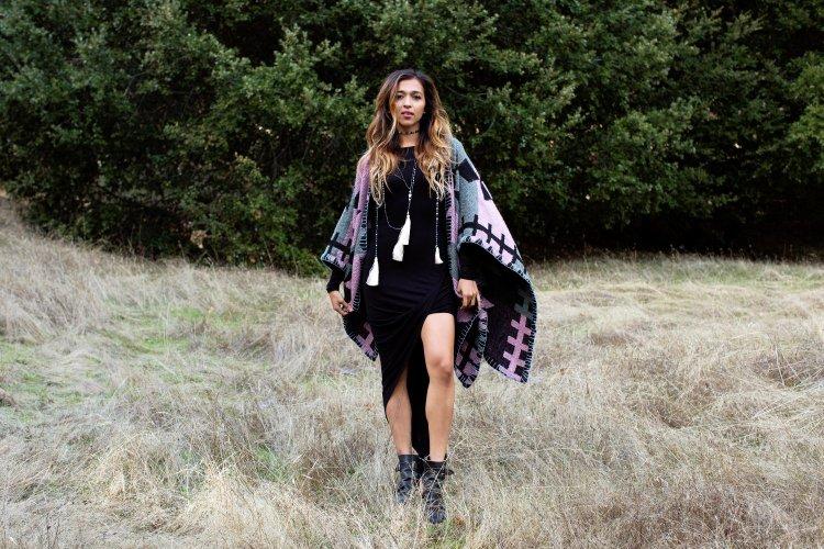 perru_p_jyo5_cuppajyo_sanfrancisco_styleblogger_fashion_travelblogger_delacyclothing_tolani_cape_blackdress_fallfashion_1