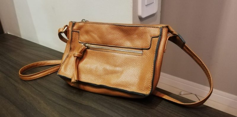 Using a decoy handbag to put off thieves in LatAm travel hacks guides