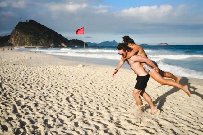 Copacabana beach travel guide Rio de Janeiro
