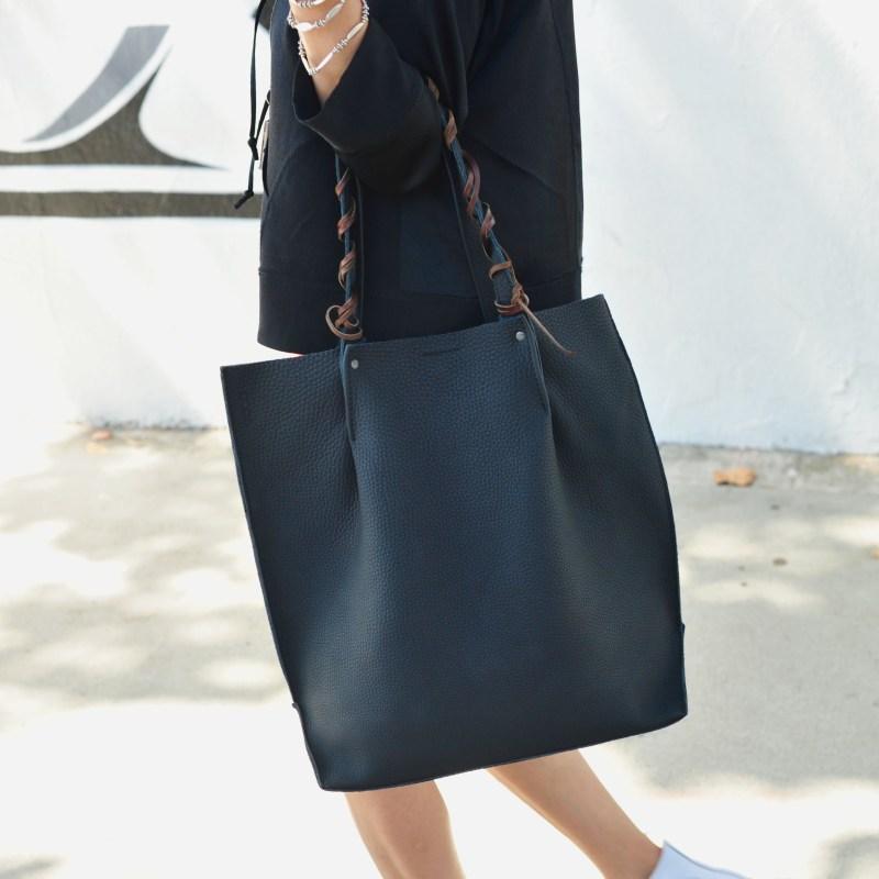 How To Accessorize A Bag Ecco Tote