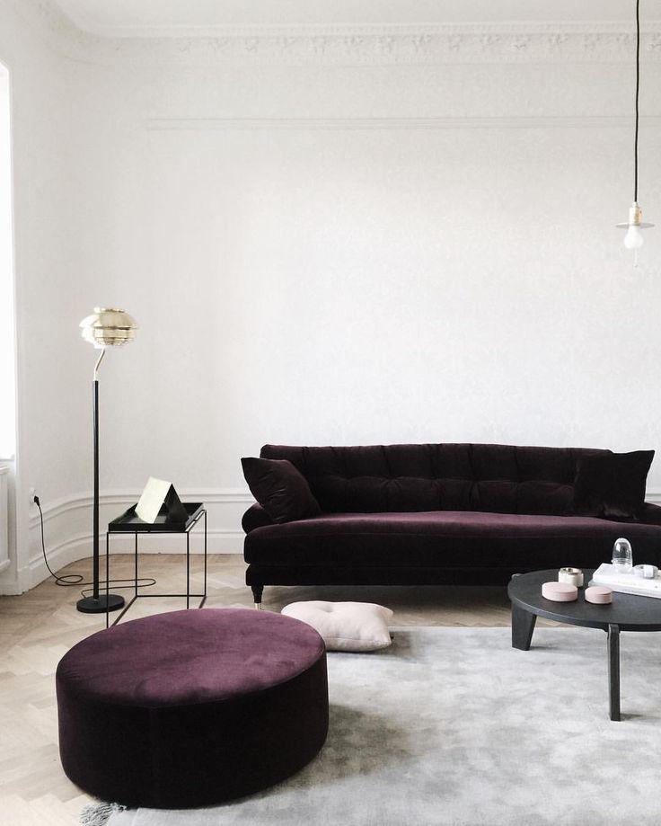 12 Royally Purple Velvet Sofas For The Living Room