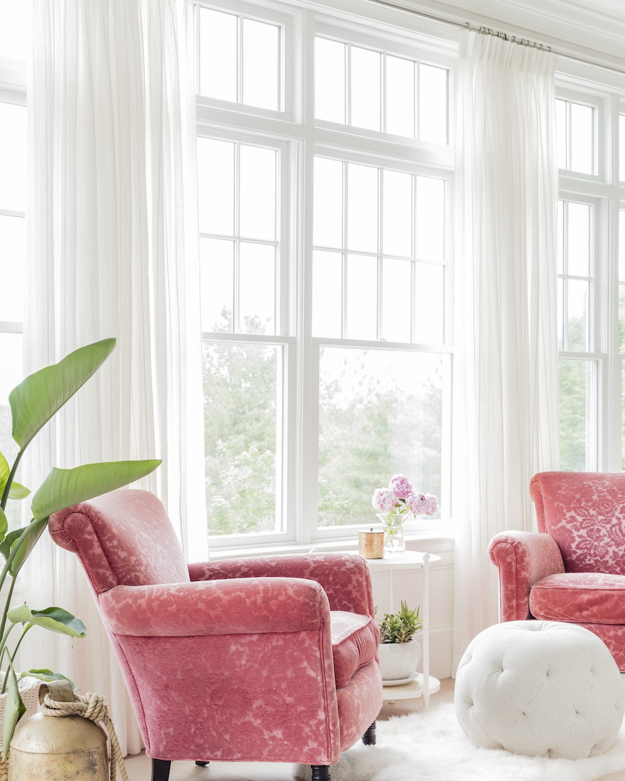 15 Favorite Pink Accent Chairs For The Living Room