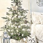 9 Scandinavian Christmas Tree Decor Ideas
