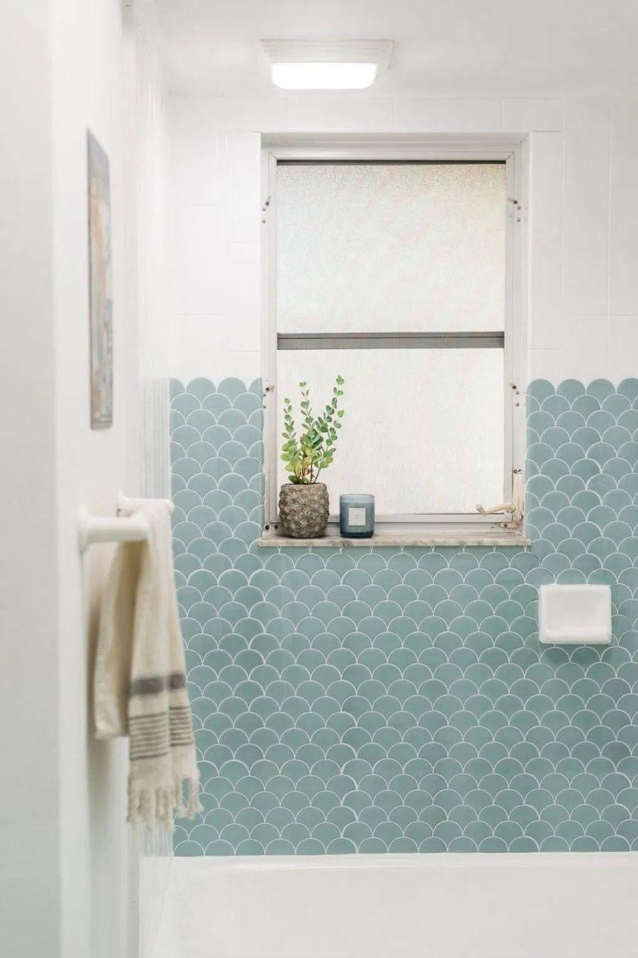 33 modern coastal bathrooms with