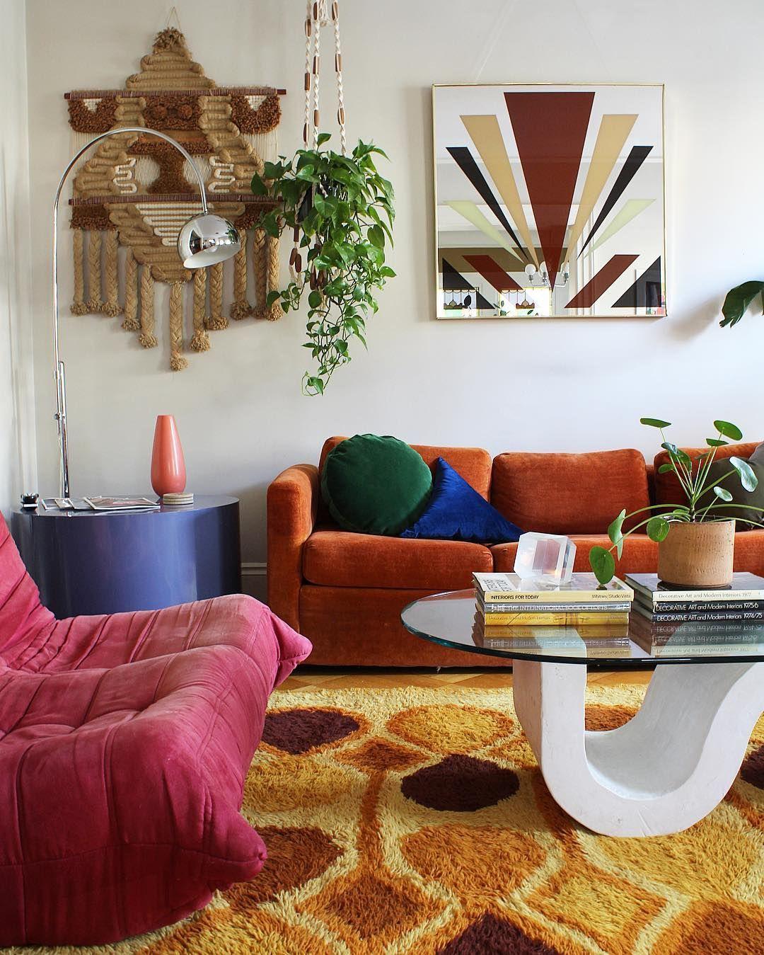 35 Retro Mid Century Modern Living Rooms