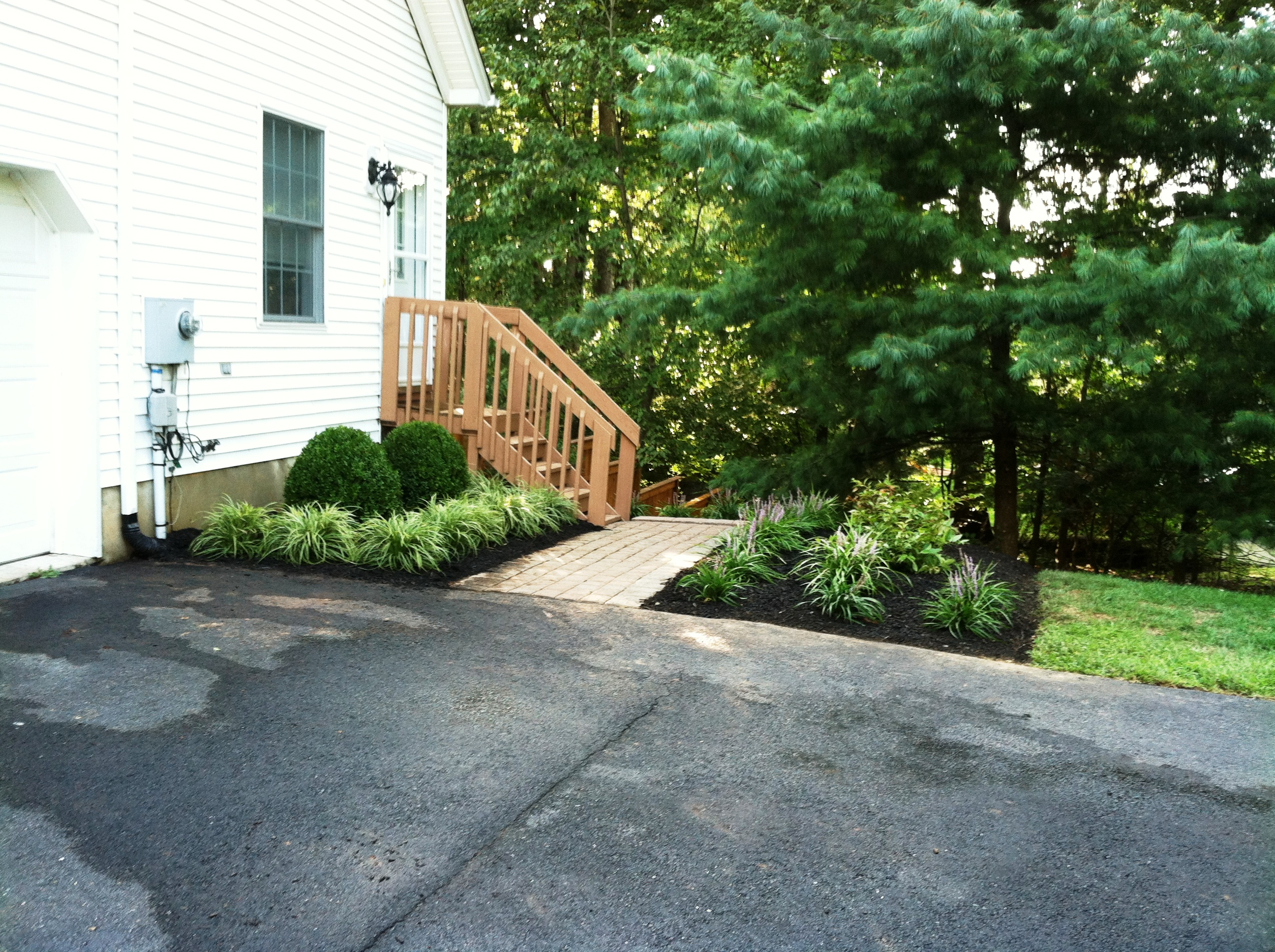 Curb appeal landscape solutions past work for Curb appeal landscaping