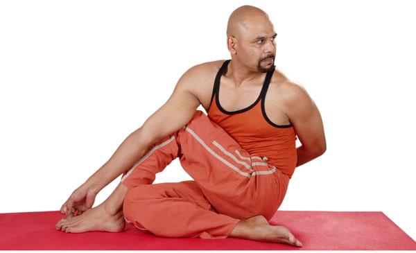 Ardhamatsendr Asana (Half Spinal Twist)