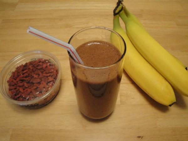 Chocolate-banana Smoothie with Goji Berries