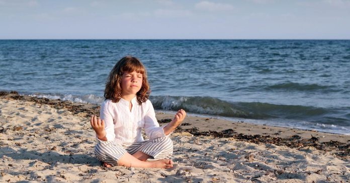 Introducing Meditation And Chanting To Your Kids