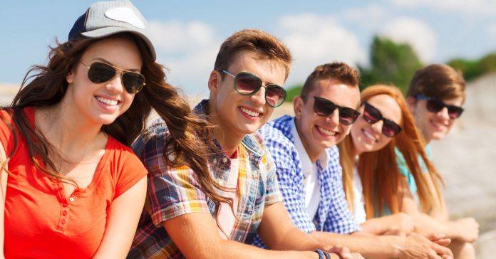 Benefits Of Wearing Sunglasses