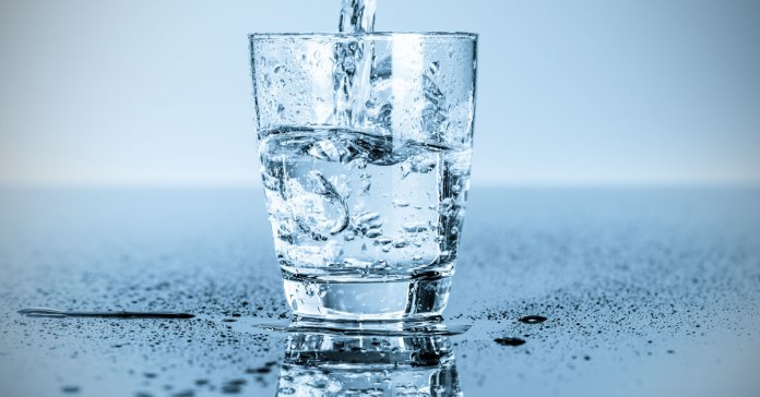 ayurveda-the-right-way-to-drink-water