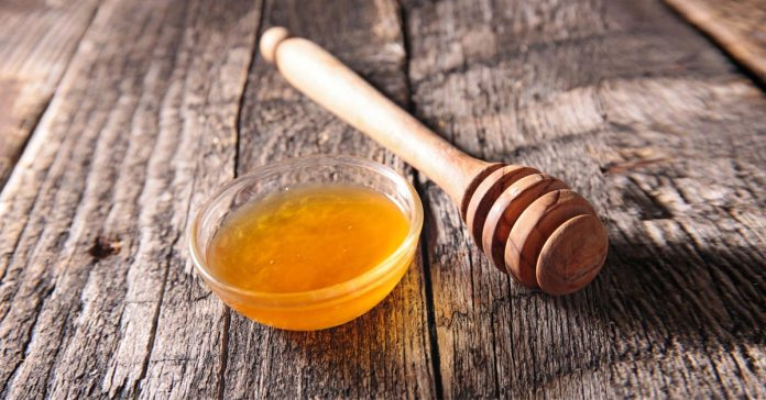 Honey - The Complete Nutrition And Precautions Guide