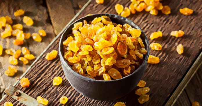 Raisins can effectively detox the liver.