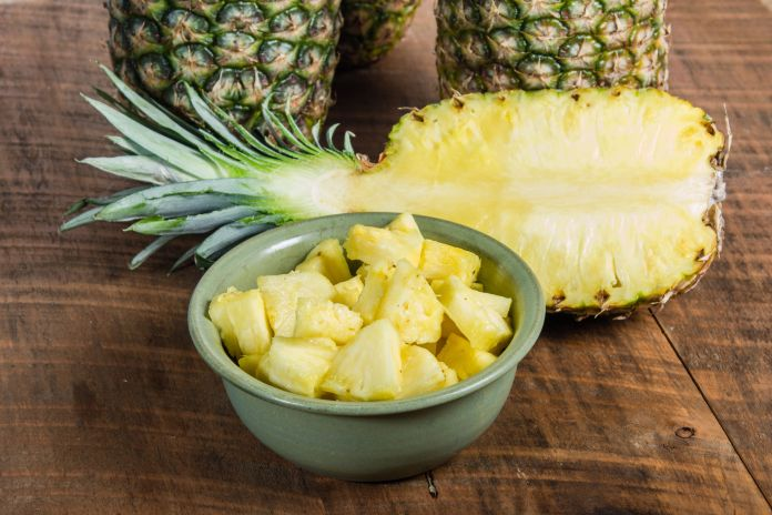 36465544 - pineapples: The Best Time To Buy And Eat Pineapples