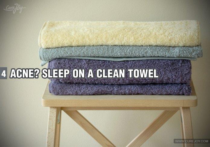 4-acne-sleep-on-a-clean-towel