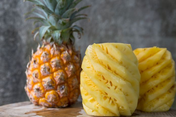 40787735 - pineapple: The Best Time To Buy And Eat Pineapples