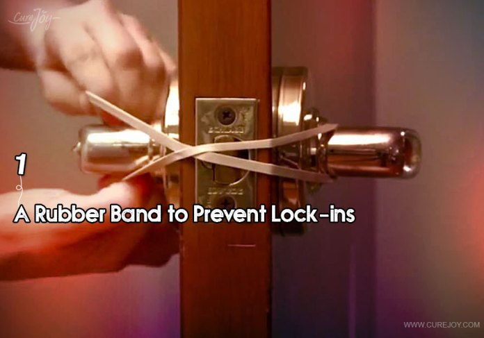 1-a-rubber-band-to-prevent-lock-ins