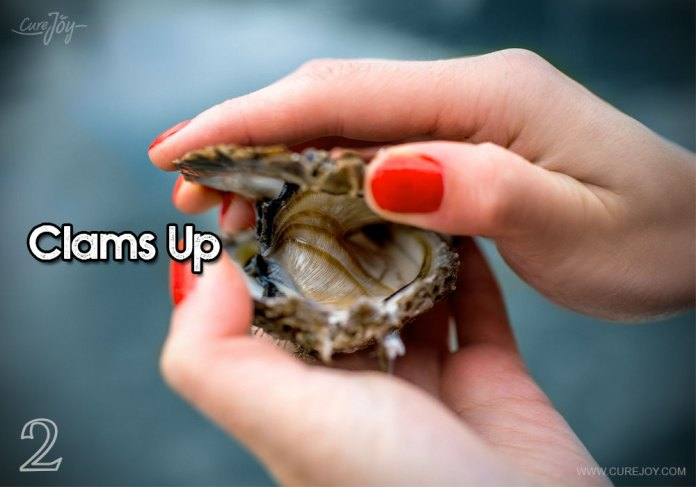 2-clams-up