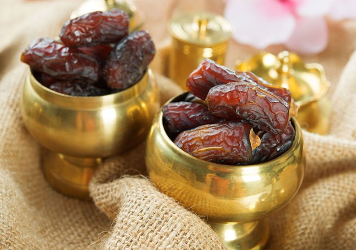 Dates: 9 Best Winter Fruits: Why Should You Eat!
