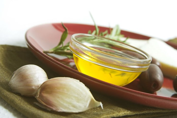 sulphur content in the garlic helps to kill bad smell in hair