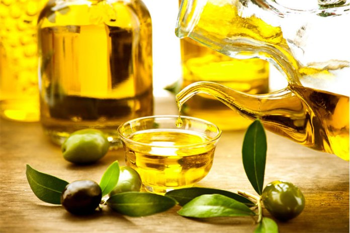 Olive Oil :Home Remedies For Split Ends