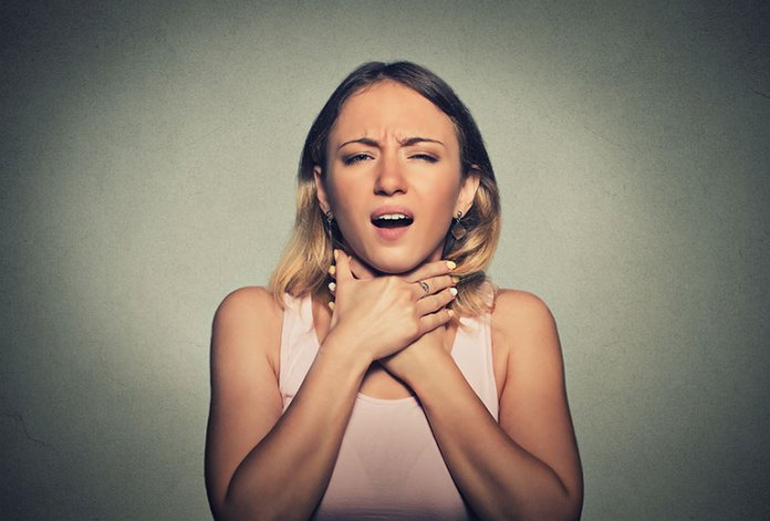 Tingling Sensation: 9 Symptoms Of An Oyster Allergy