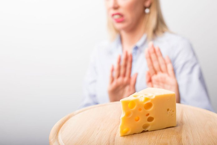 lactose-intolerance: What cheese can do to your body