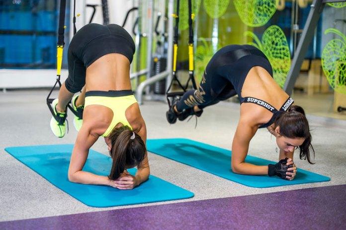 6 Total Body Suspension Workouts: Side Twist